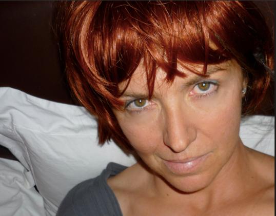 Selfie in a wig